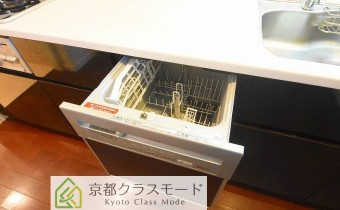 食洗機 ※室内写真は同マンション内の別タイプのものです。