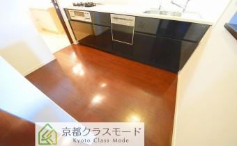 キッチンスペース ※室内写真は同マンション内の別タイプのものです。