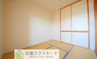 和室 ※室内写真は同マンション内の別タイプのものです。