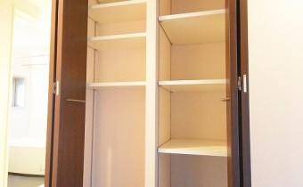 収納 ※室内写真は同マンション内の別タイプのものです。
