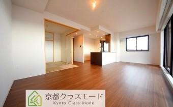 高級感のある室内空間♪「床暖房」完備で「南向き」のリビングダイニング!
