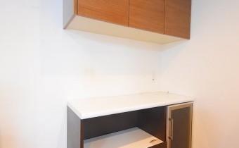 キッチン収納 ※室内写真は113号室のものです。参考としてご覧ください。