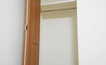 Room 6のクローゼット ※室内写真は113号室のものです。参考としてご覧ください。