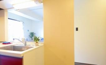 冷蔵庫置場 ※室内写真は同マンション内の101号室のものです。