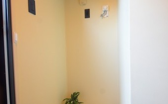 洗濯機置場 ※室内写真は同マンション内の101号室のものです。