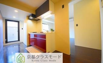 キッチンスペース ※室内写真は同マンション内の101号室のものです。