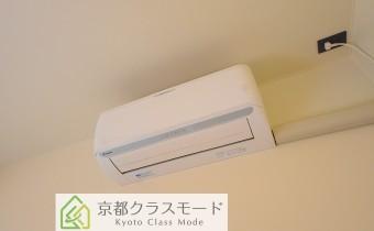 エアコン ※室内写真は同マンション内の101号室のものです。
