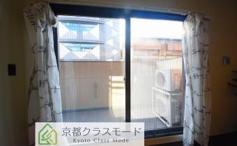 バルコニー ※室内写真は同マンション内の101号室のものです。