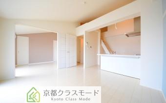 人口大理石カウンタートップ付きのキッチン♪白ベースの綺麗な室内!