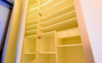シューズBOX ※室内写真は同マンション内の別のお部屋のものです。