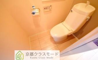 ウォシュレットトイレ ※室内写真は同マンション内の別のお部屋のものです。