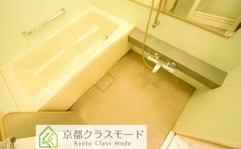 バスルーム ※室内写真は同マンション内の別のお部屋のものです。