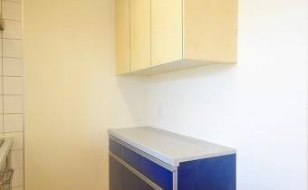 キッチン収納 ※室内写真は同マンション内の別のお部屋のものです。