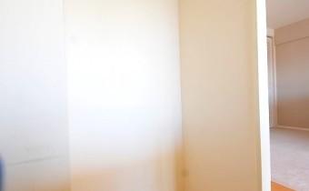 冷蔵庫置場 ※室内写真は同マンション内の別のお部屋のものです。