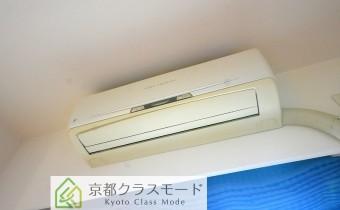 エアコン ※室内写真は同マンション内の別のお部屋のものです。