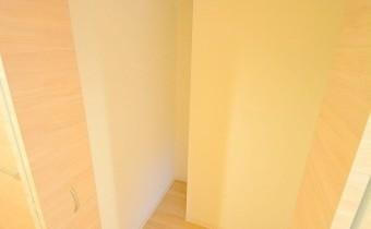 廊下収納スペース・別アングル