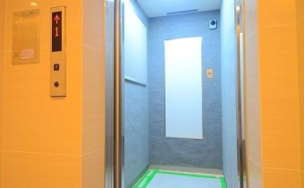 エレベーター ※室内写真は同マンションシリーズの参考写真になります。