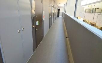共用廊下 ※室内写真は同マンションシリーズの参考写真になります。