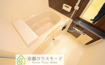 バスルーム ※室内写真は同マンションシリーズの参考写真になります。