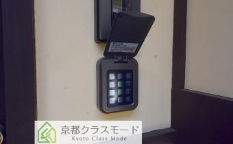 電子ロックの玄関ドア
