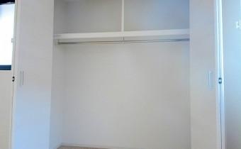 Room 8.7のクローゼット
