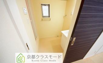 脱衣所 ※室内写真は同マンション内の203号室のものです。