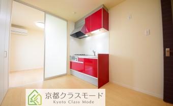 ※室内写真は同マンション内の203号室のものです。