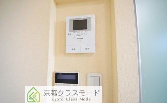 TVドアホン ※室内写真は同マンション内の203号室のものです。