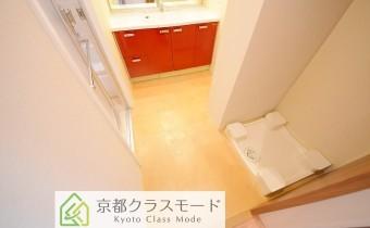 脱衣所 ※室内写真は同マンション内の別タイプのものです。