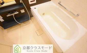 バスルーム ※室内写真は同マンション内の別タイプのものです。