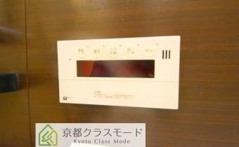 追い焚き機能付き ※室内写真は同マンション内の別タイプのものです。
