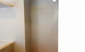 冷蔵庫置場 ※室内写真は同マンション内の別タイプのものです。