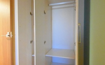 クローゼット ※室内写真は同マンション内の別タイプのものです。