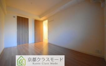 Room ※室内写真は同マンション内の別タイプのものです。