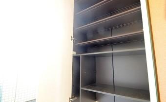 シューズbox *写真はA棟201号室の参考画像です。