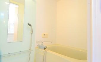 バスルーム *写真はA棟201号室の参考画像です。