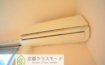エアコン *写真はA棟201号室の参考画像です。