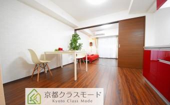 ※室内写真は同マンション内の101号室のものです。